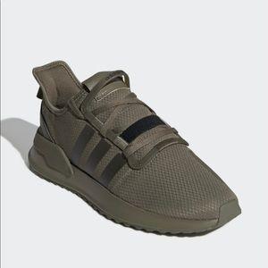 Men's Adidas Olive Green Khaki Sneaks Size 11
